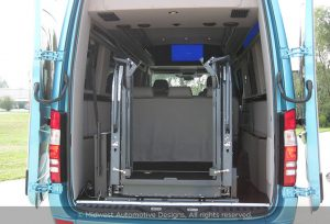 Mercedes Benz Lift in Cargo